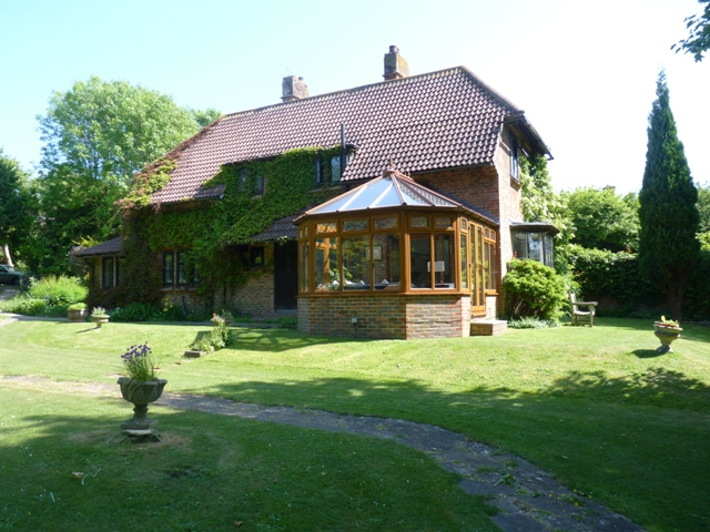 Spinney - 4-bed cottage with pool