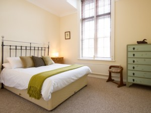 Double bedroom in short term accommodation