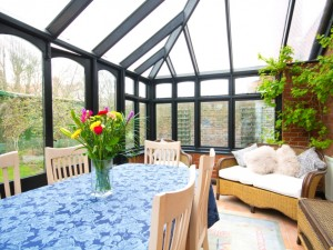 Dining conservatory of short term lets