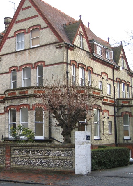 Furnished Short Term Accommodation Near Eastbourne College