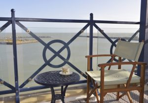 Short stay apartment in Sovereign Harbour