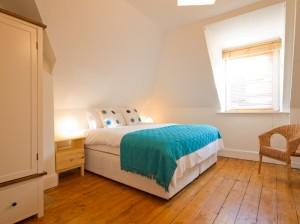 2nd floor middle bedroom