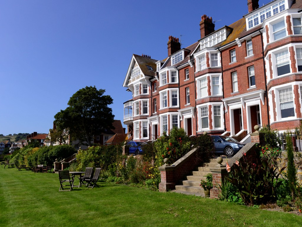 short term house rental in sovereign harbour eastbourne