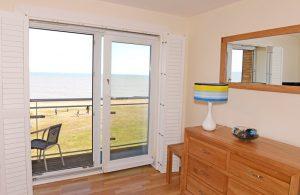serviced apartment sovereign harbourn eastbourne