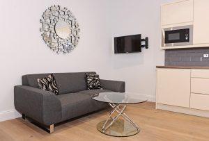 1st floor flat living space