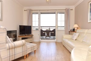 Pacific Heights - Accommodation Eastbourne - serviced flat