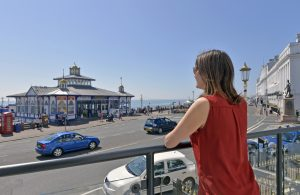 By the Pier - Accommodation Eastbourne - seaview rentals